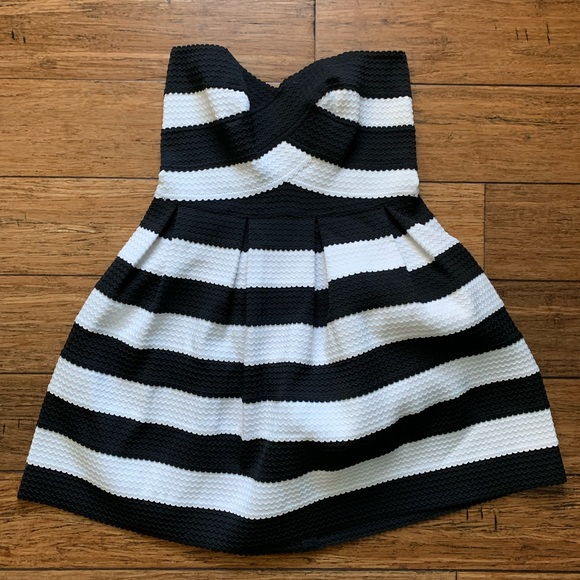 Sans Souci Dresses & Skirts - Black and White Striped Strapless Dress